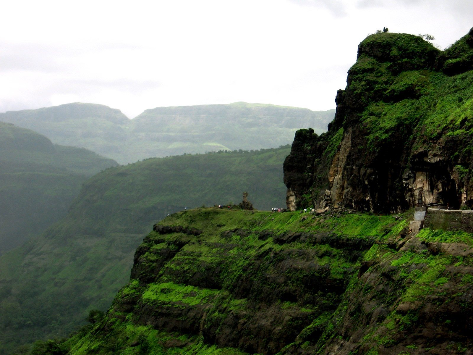 Places To Visit During Monsoon In Maharashtra