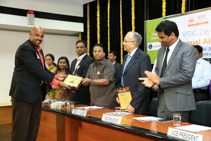 Sankara Receiving award