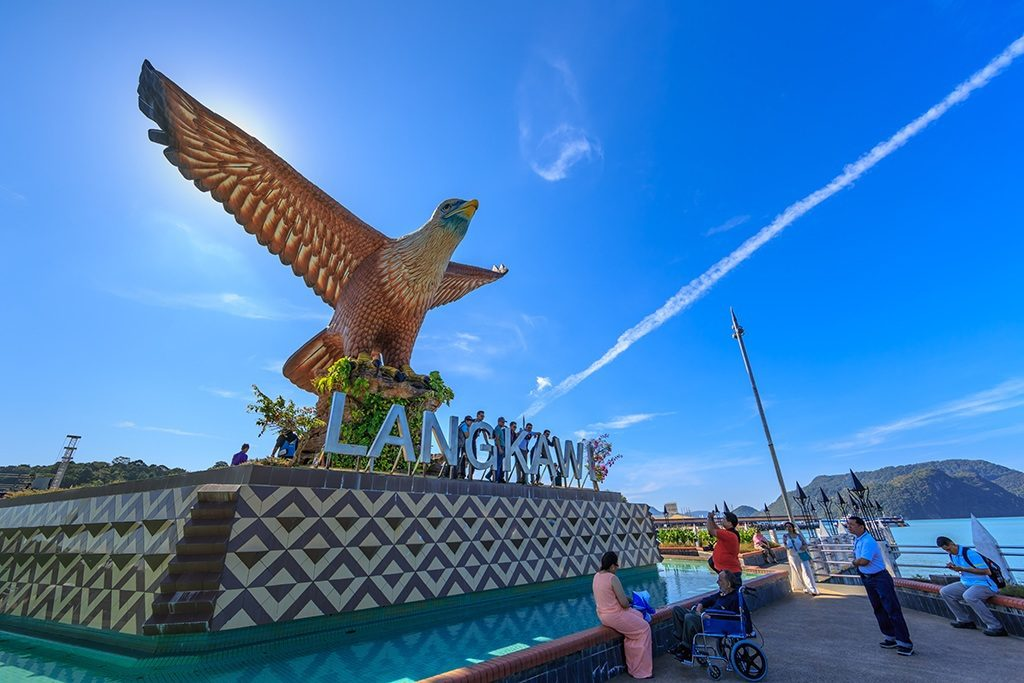 famous places in malaysia Malaysia top 10 highlights and attractions top 10 best tours best places to explore and visit in malaysia only the must-visits most popular to do's in one list.