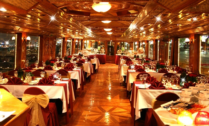 Christmas celebrations at Dhow cruise