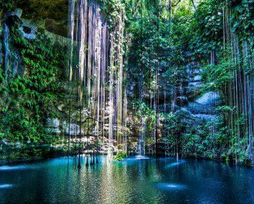 Ik-Kil-Cenote-in-Mexico
