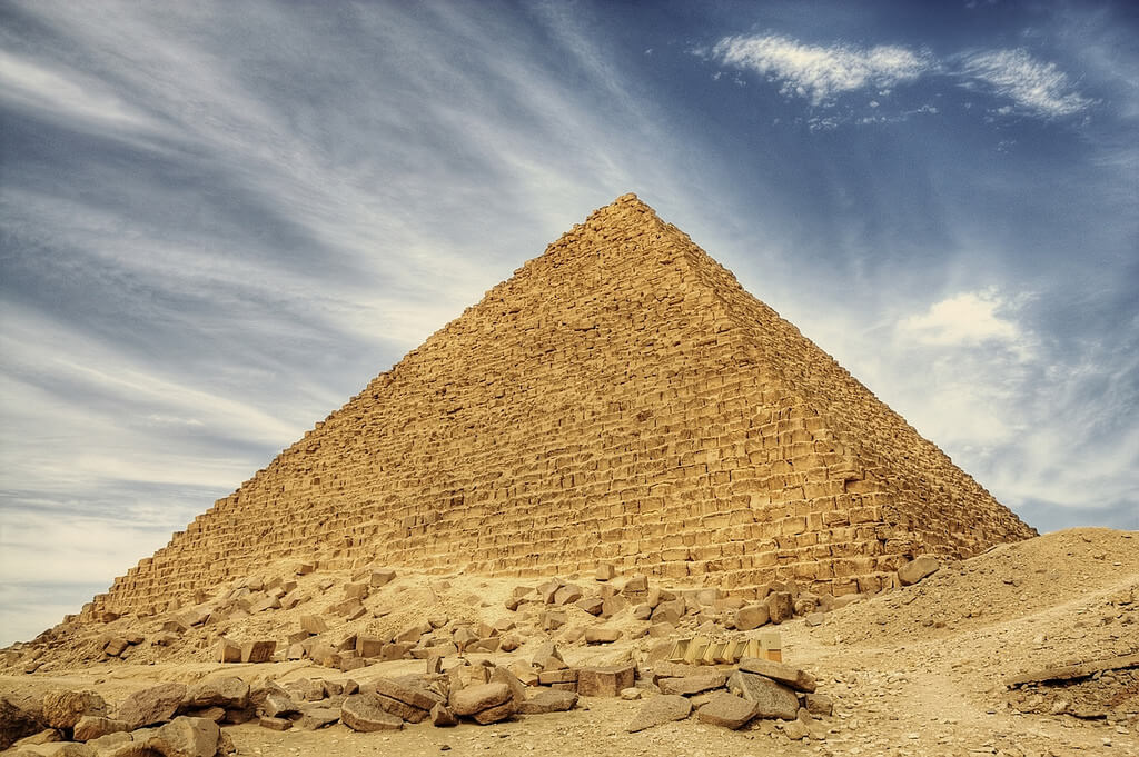 a brief biography of thales and the great pyramid of giza A brief biography of thales and the great pyramid of giza (498 words, 1 pages) thales and the great pyramid of giza thales played an important part in geometry on his studying in egypt, he had discovered many theorems.